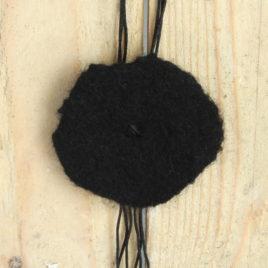 Collier sautoir Fleur de laine – Nuit noire