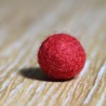 Perle de laine teinte Rouge Coquelicot Yoelys