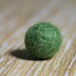 Perle de laine teinte Vert mousse Yoelys